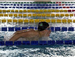 Azerbaycanlı yüzücüler olimpiyat ve İslami Dayanışma Oyunları için Erzurum'da kulaç atıyor