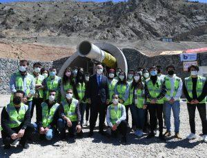 """Bakan Karaismailoğlu, gençleri """"Birlikte İleriye Projesi""""ne katılmaya çağırdı:"""