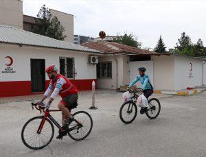 Batman'da gönüllü bisikletçiler ramazan ayında iyiliğe pedal çeviriyor