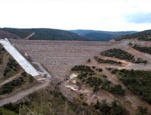 Bergama'daki Musacalı Barajının gövde beton kaplama çalışmaları tamamlandı