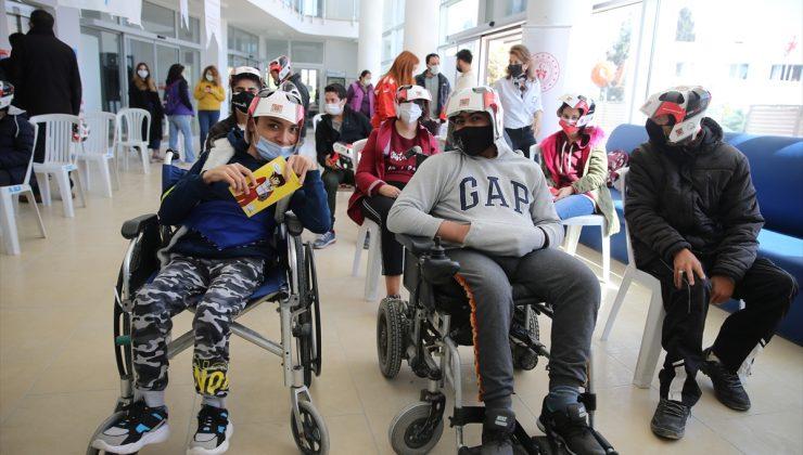 """Bodrum'da ralli pilotlarından engelli öğrencilere """"trafikte güvenlik"""" eğitimi"""