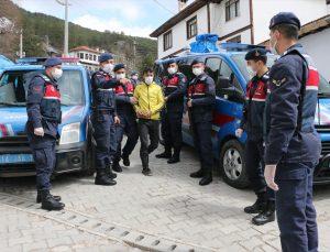 Bolu'da öğrencilerin uzaktan eğitime girmesini engelleyen kablo hırsızları yakalandı