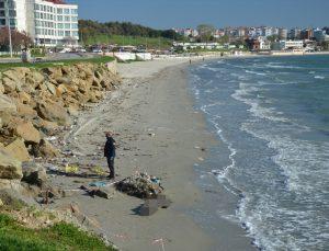 Çanakkale'de Gelibolu sahilinde erkek cesedi bulundu