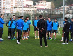 """Çaykur Rizespor Teknik Direktörü Uygun: """"Rizespor, Avrupa hedefini başarabilecek bir camia"""""""