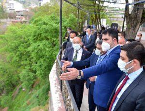 Çevre ve Şehircilik Bakanı Kurum, Tunceli'de cemevini ziyaret etti: