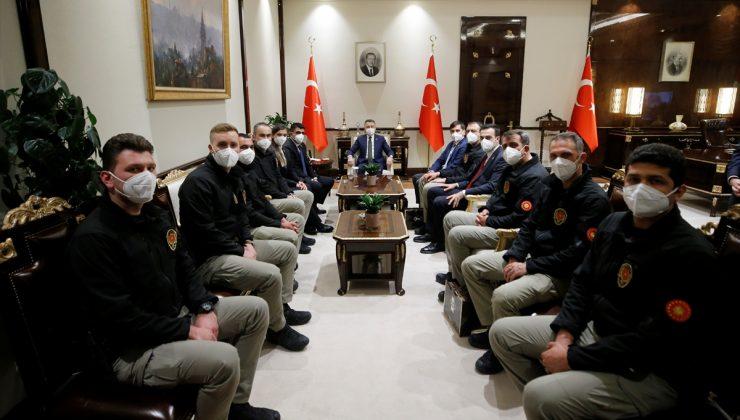 Cumhurbaşkanı Yardımcısı Oktay, Polis Teşkilatının 176. yılı dolayısıyla koruma polisleriyle bir araya geldi