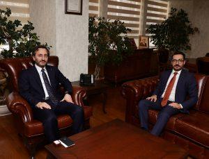 """Cumhurbaşkanlığı İletişim Başkanı Altun'dan, AA'nın yeni Genel Müdürü Karagöz'e """"hayırlı olsun"""" ziyareti"""