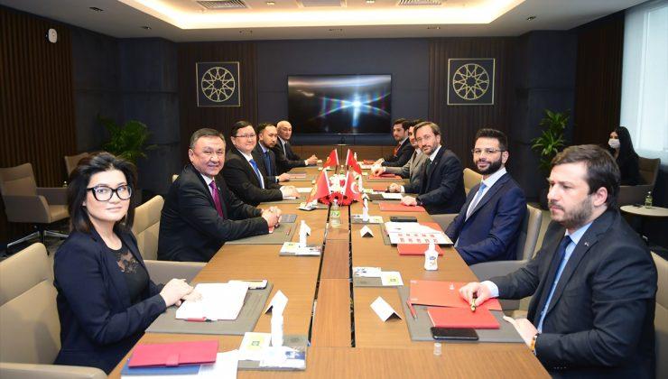 Cumhurbaşkanlığı İletişim Başkanı Fahrettin Altun, Kırgız Bakan İmanaliyev ile görüştü: