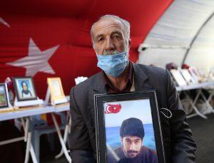 """Diyarbakır anneleri evlatlarına """"teslim ol"""" çağrısında bulundu"""