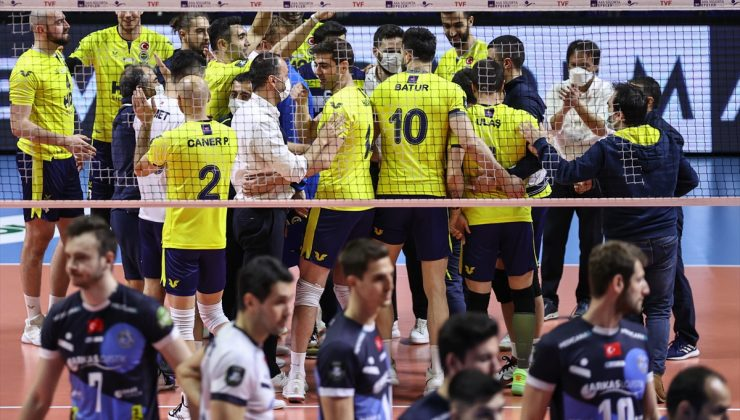 Voleybol: AXA Sigorta Efeler Ligi play-off 1-4'üncülük etabı