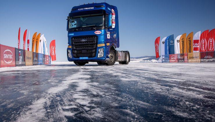 Ford Trucks F-MAX, donmuş Baykal Gölü üstünde hız rekoru kırdı