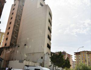 Gaziantep'te atıl durumdaki otelin otoparkında erkek cesedi bulundu