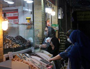 İranlılar Kovid-19 ve ekonomik kriz gölgesinde ramazan ayını karşılamaya hazırlanıyor