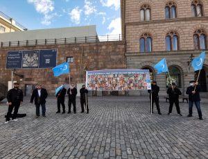 İsveç'te Çin'in Uygur Türklerine yönelik politikası protesto edildi