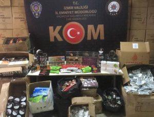 İzmir'de bir iş yeri ve depoda 576 kilogram kaçak nargile tütünü ele geçirildi