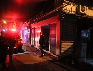 İzmir'de çıkan yangında bir kişi dumandan zehirlendi