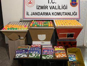 İzmir'de Kovid-19 tedbirlerini ihlal edip kumar oynayan 208 kişiye para cezası uygulandı