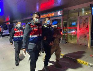 İzmir'de PKK ve FETÖ üyelerine yönelik operasyonlarda yakalanan 4 zanlı tutuklandı