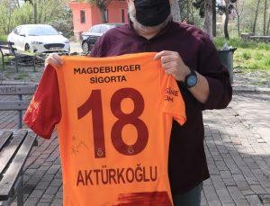 Kerem Aktürkoğlu'nun performansı hem ailesini hem de yetiştiği kulübü gururlandırıyor