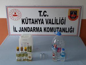Kütahya'da sahte içki üretip sattığı iddia edilen şüpheli gözaltına alındı