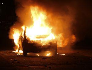 Kuzey İrlanda'da şiddet olayları devam ediyor