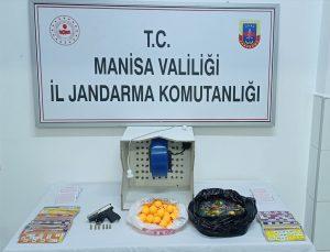 Manisa'da kumar oynarken yakalanan 27 kişiye para cezası verildi