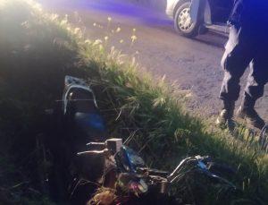 Manisa'da şarampole yuvarlanan motosikletin sürücüsü yaralandı
