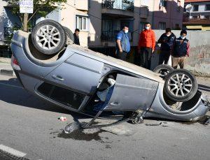 Manisa'da takla atan otomobilin sürücüsü yaralandı
