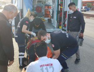 Manisa'da ters yönde seyreden motosiklet, otomobille çarpıştı: 1 yaralı