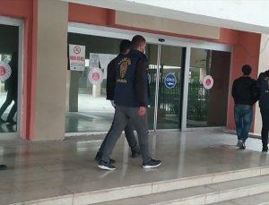 Mardin'de iş yerlerinden hırsızlık yaptıkları iddiasıyla yakalanan 3 zanlı tutuklandı