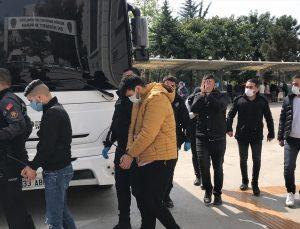 """Mersin'de """"garantili bahis kuponu"""" vaadiyle dolandırıcılığa 8 tutuklama"""