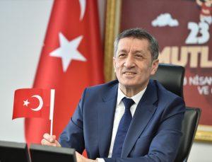 Milli Eğitim Bakanı Selçuk, tedavi gören çocuklar için çevrim içi düzenlen 23 Nisan şenliğine katıldı