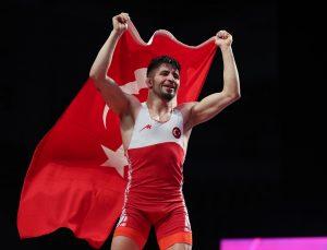 Milli güreşçi Süleyman Atlı, Avrupa şampiyonu oldu