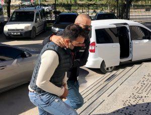 Muğla merkezli operasyonda FETÖ üyelerini yurt dışına kaçırdıkları iddiasıyla yakalanan 3 zanlı tutuklandı