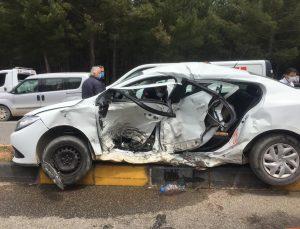 Muğla'da iki otomobil çarpıştı: 1 ölü, 5 yaralı