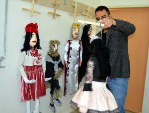 Muş'ta üniversite öğrencileri, yaptıkları kuklalarla çocuklara masalları sevdirecek