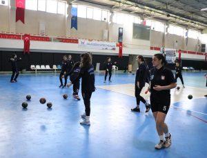 Proje kapsamında kurulan kadın hentbol takımı, Süper Lig hedefi için destek bekliyor