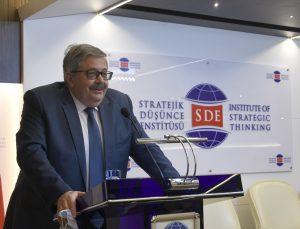 Rusya'nın Ankara Büyükelçisi Yerhov, Türkiye'de okuyan yabancı öğrencilerin sorularını yanıtladı