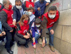 Taksim'de 1 Mayıs 1977'deki olaylarda hayatını kaybedenler anıldı