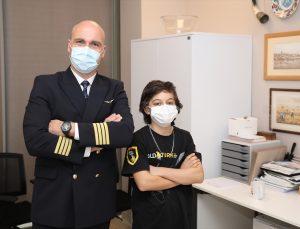 THY kaptan pilotu Ahbab, havacılık aşığı 13 yaşındaki Yazıcı'ya ameliyat öncesi moral ziyareti yaptı