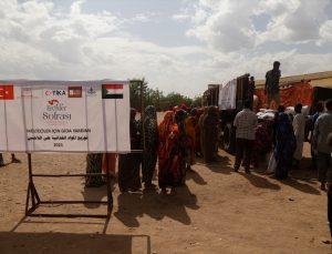 TİKA, Sudan'daki Eritreli mültecilere 20 ton gıda yardımında bulundu
