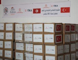 TİKA, Tunus'ta 800 dar gelirli aileye 22 ton gıda yardımında bulundu