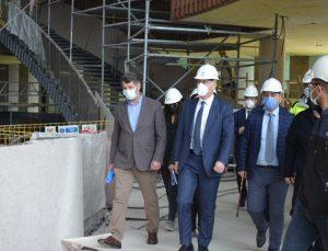TOKİ Başkanı Bulut, kurumun İstanbul'daki projelerinin şantiye alanlarını inceledi