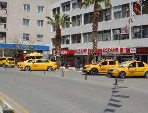 """Turizm merkezlerinden Ayvalık'ta """"tam kapanma"""" sürecinde Kovid-19 tedbirlerine uyuluyor"""