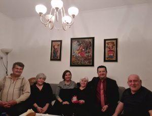 Türk bayrağıyla son yolculuğuna uğurlanan Ermeni asıllı Kore gazisi Kaya'nın ailesine taziye ziyareti