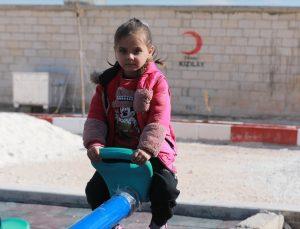 Türk Kızılay, İdlib'de inşasını tamamladığı briket evlere aileleri yerleştiriyor