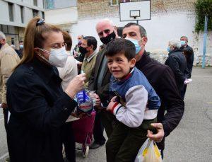Türkiye Diyanet Vakfı, Arnavutluk'taki ihtiyaç sahiplerine ramazan yardımı dağıttı
