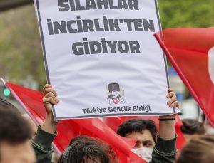 """Türkiye Gençlik Birliği üyeleri, ABD Başkanı Biden'ın 1915 olaylarını """"soykırım"""" olarak nitelemesini protesto etti"""