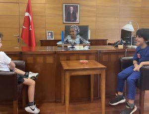 Türkiye'nin Abuja Büyükelçisi Bayraktar, 23 Nisan'da koltuğunu Nijeryalı Meryem'e devretti