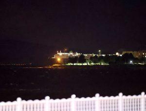 Tuzla'da bir gemi karaya oturdu